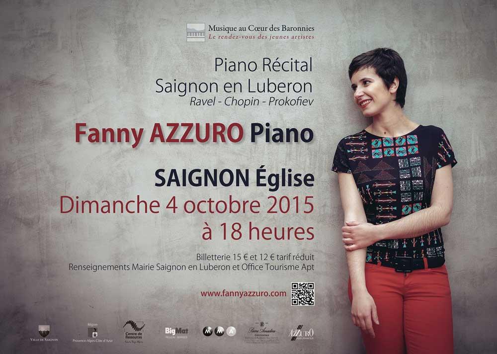 Fanny Azzuro à l'église de Saignon