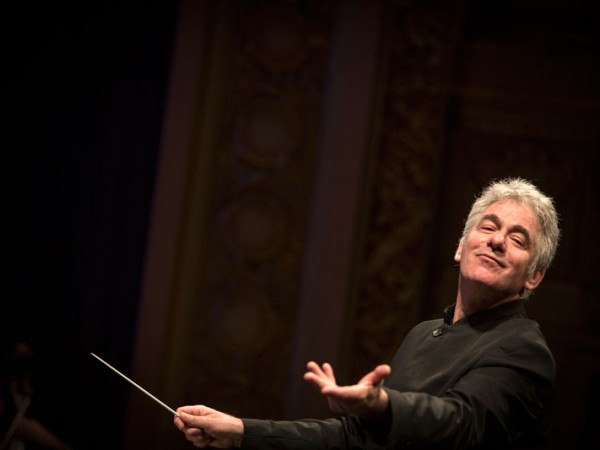 Le contrat de Grant Llewellyn en tant que Directeur Musical
